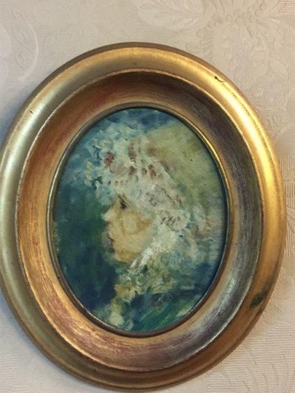 Miniatura pintada a mano, firmada Piria. Precio: $ 2.000.